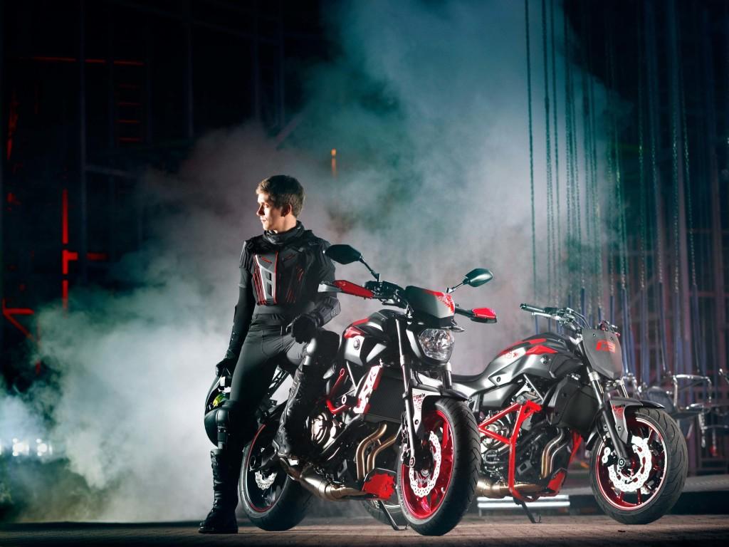 2015-yamaha-mt07-moto-cage-automobilians (2)