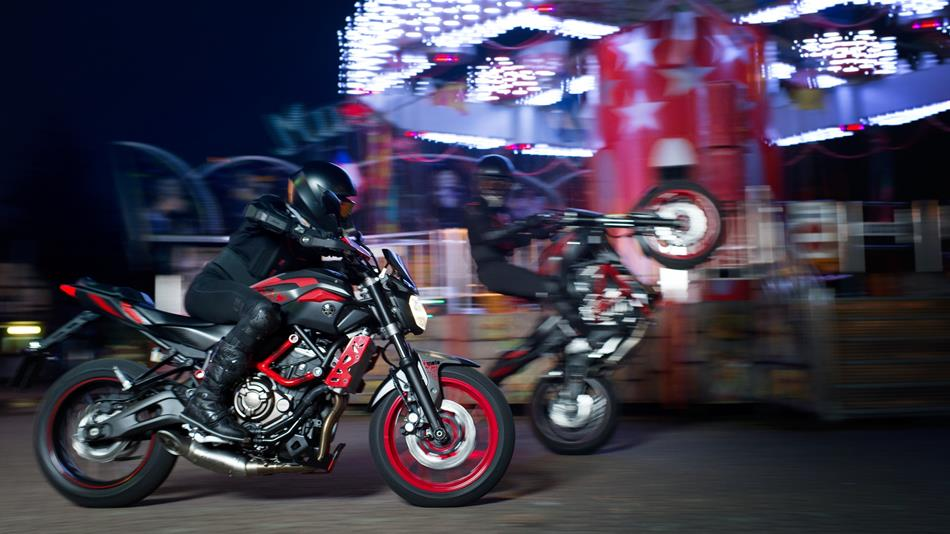 2015-yamaha-mt07-moto-cage-automobilians (4)