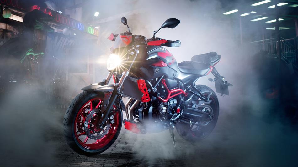 2015-yamaha-mt07-moto-cage-automobilians (6)