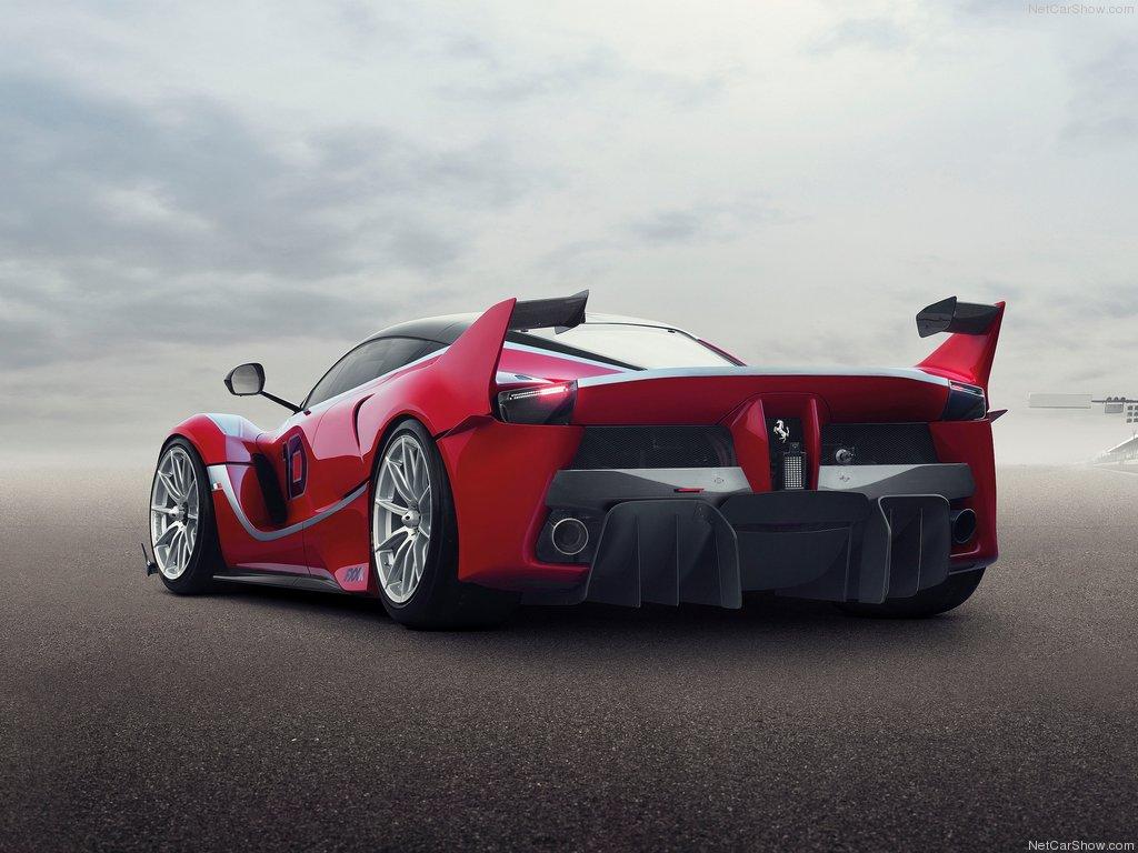 Ferrari-FXX_K_2015_1024x768_wallpaper_05