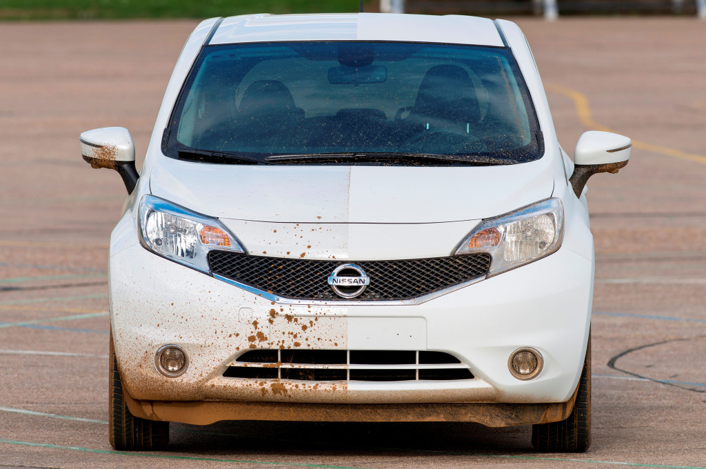 nissan-note-self-cleaning-car-prototype-on-track