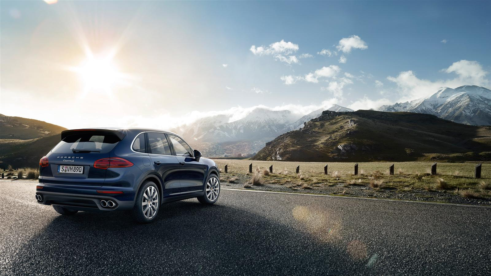 2015 porsche cayenne facelift launched in india at rs 1. Black Bedroom Furniture Sets. Home Design Ideas