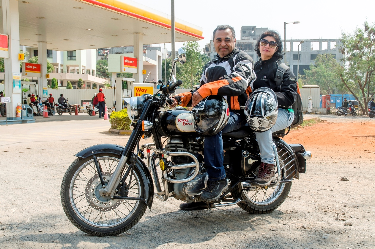 Honda Roadside Assistance >> Pune duo create record – conquer Saddle Sore 1600 K on Royal Enfield Classic 350 | Automobilians ...