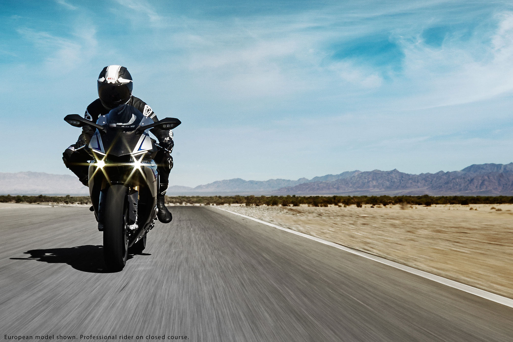 2015 yamaha r1 and r1m launched in india at rs 22 34 300 and rs