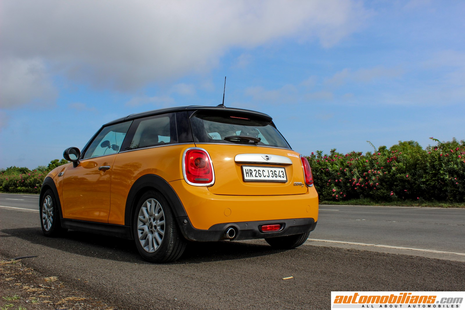 2016 Mini Cooper Hardtop Review >> 2015 MINI Cooper D 3-Door – Picture Gallery | Automobilians.com – All About Automobiles