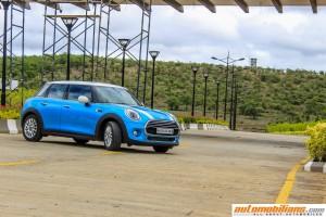 2015 MINI Cooper D 5-Door Hardtop Test Drive Review - Automobilians.com
