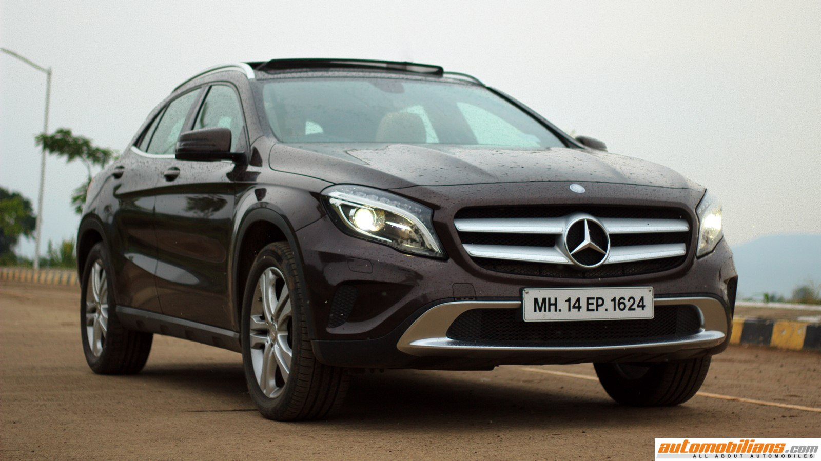 2015 mercedes benz gla 200 test drive review gla class crossover mercedes gla 200 road. Black Bedroom Furniture Sets. Home Design Ideas