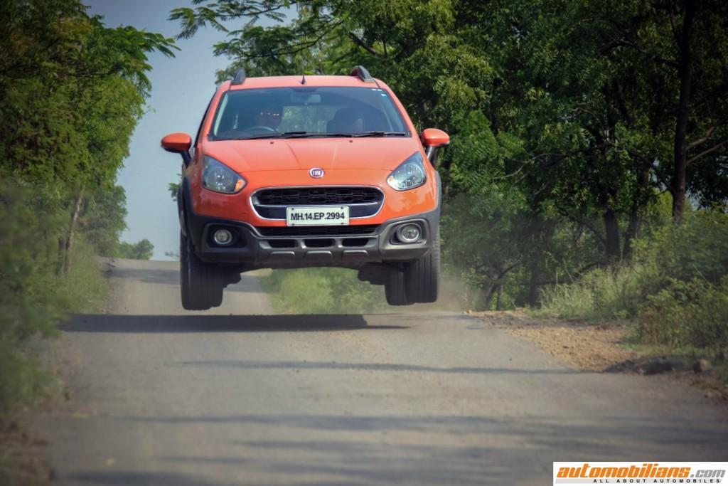 2015-Fiat-Avventura-Design-Interior-Offroad-Test-Drive-Review (1)