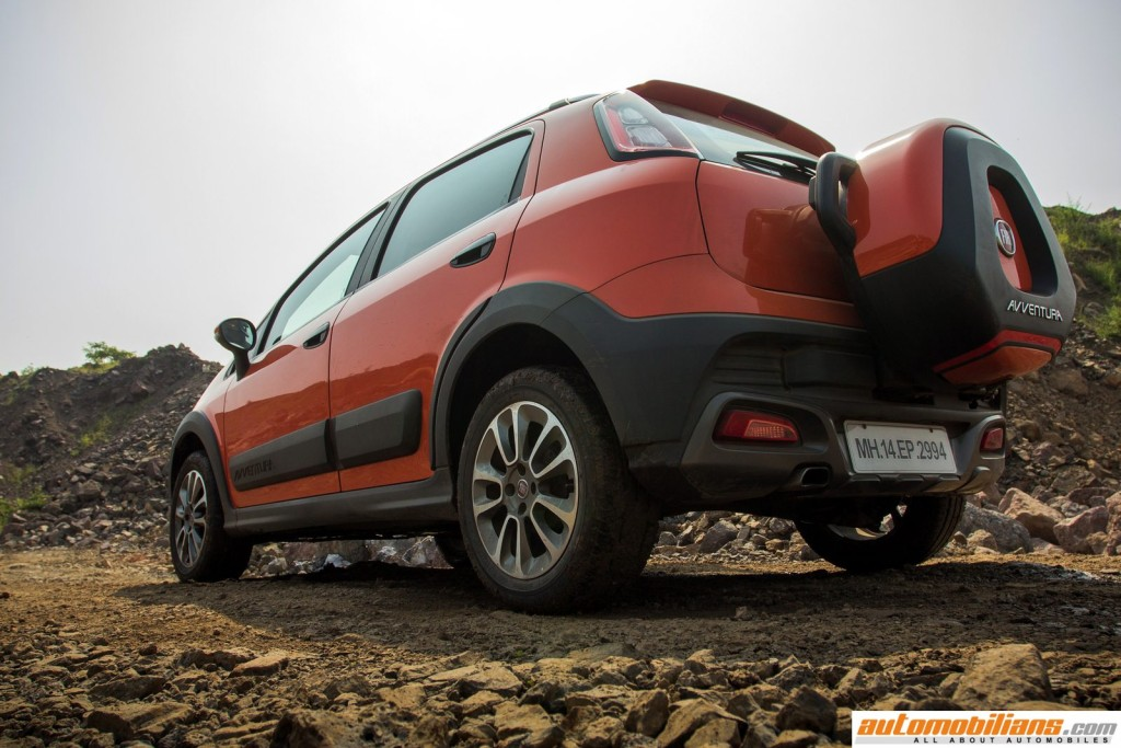 2015-Fiat-Avventura-Design-Interior-Offroad-Test-Drive-Review (12)