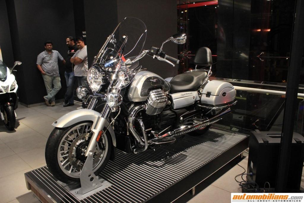 MotoPlex-Vespa-Moto-Guzzi-Aprilia-Pune (8)