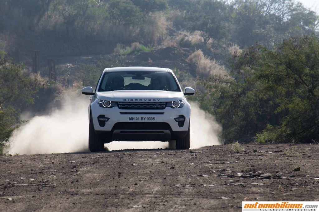 Land-Rover-Discovery-Sport-Review-Automobilians (10)
