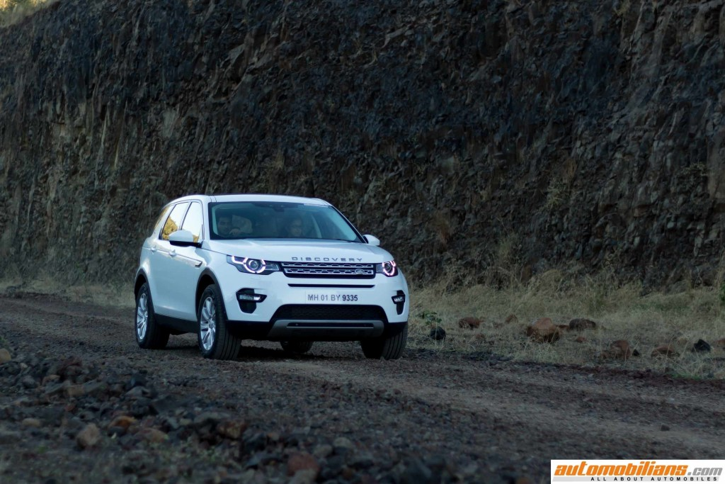 Land-Rover-Discovery-Sport-Review-Automobilians (11)