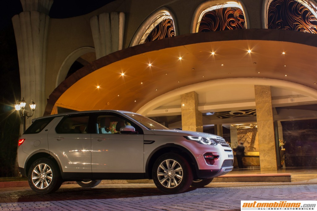 Land-Rover-Discovery-Sport-Review-Automobilians (4)