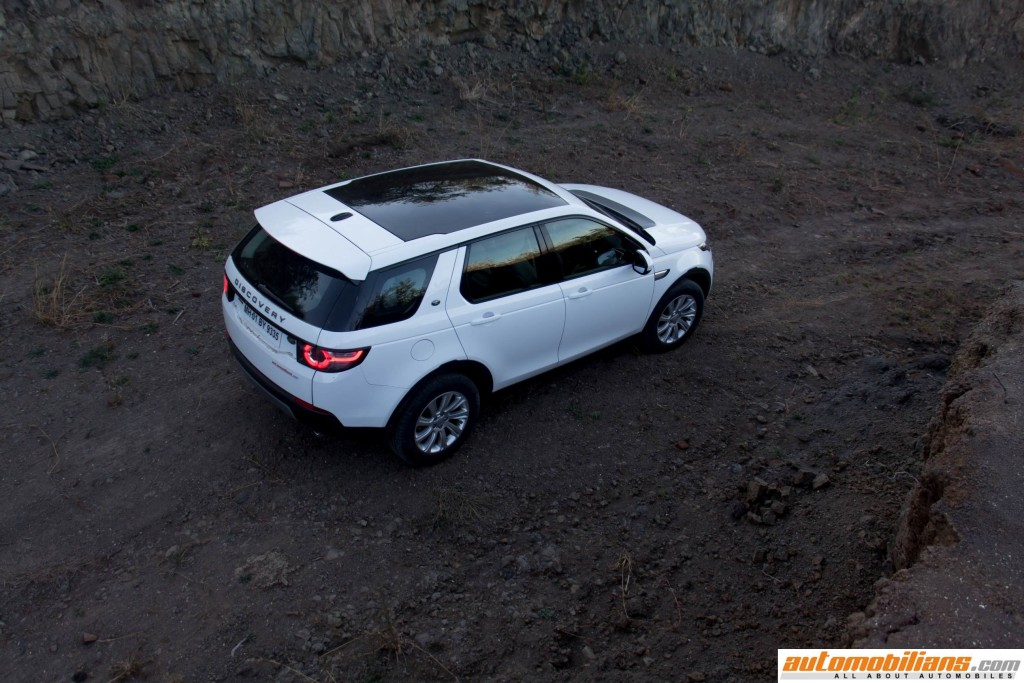 Land-Rover-Discovery-Sport-Review-Automobilians (8)