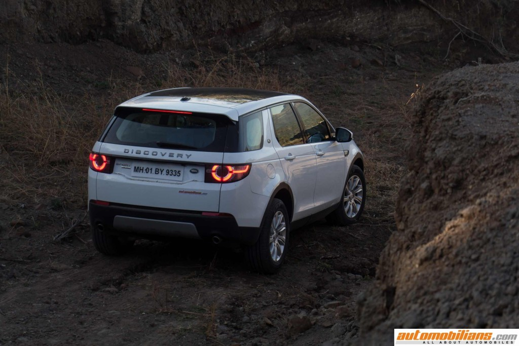 Land-Rover-Discovery-Sport-Review-Automobilians (9)