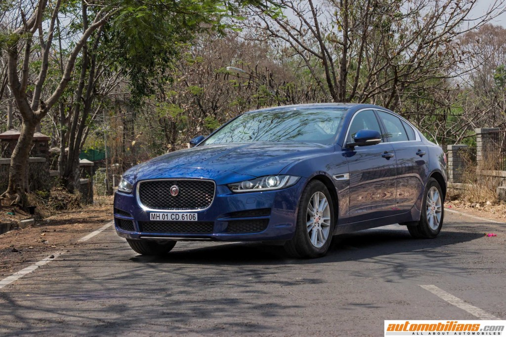 2016-Jaguar-XE-Review-Automobilians (3)