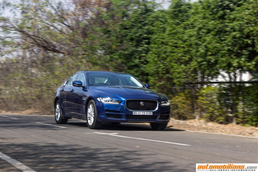 2016-Jaguar-XE-Review-Automobilians (6)