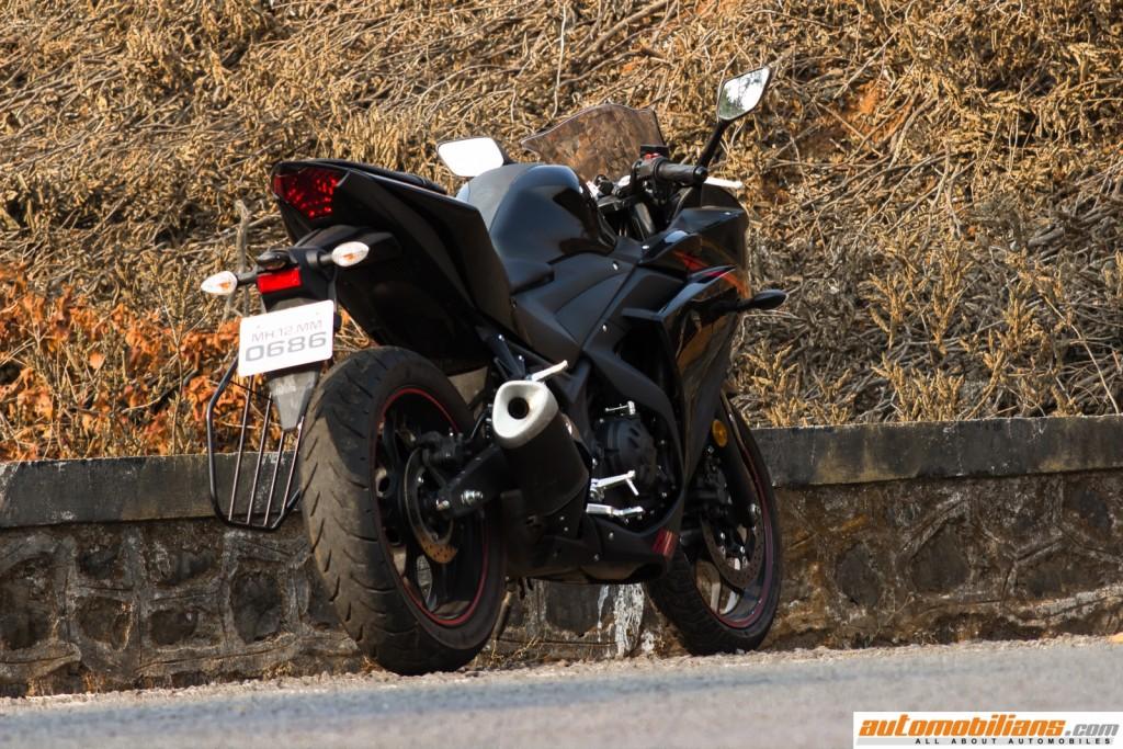 Yamaha-YZF-R3-Test-Ride-Review-Automobilians (12)