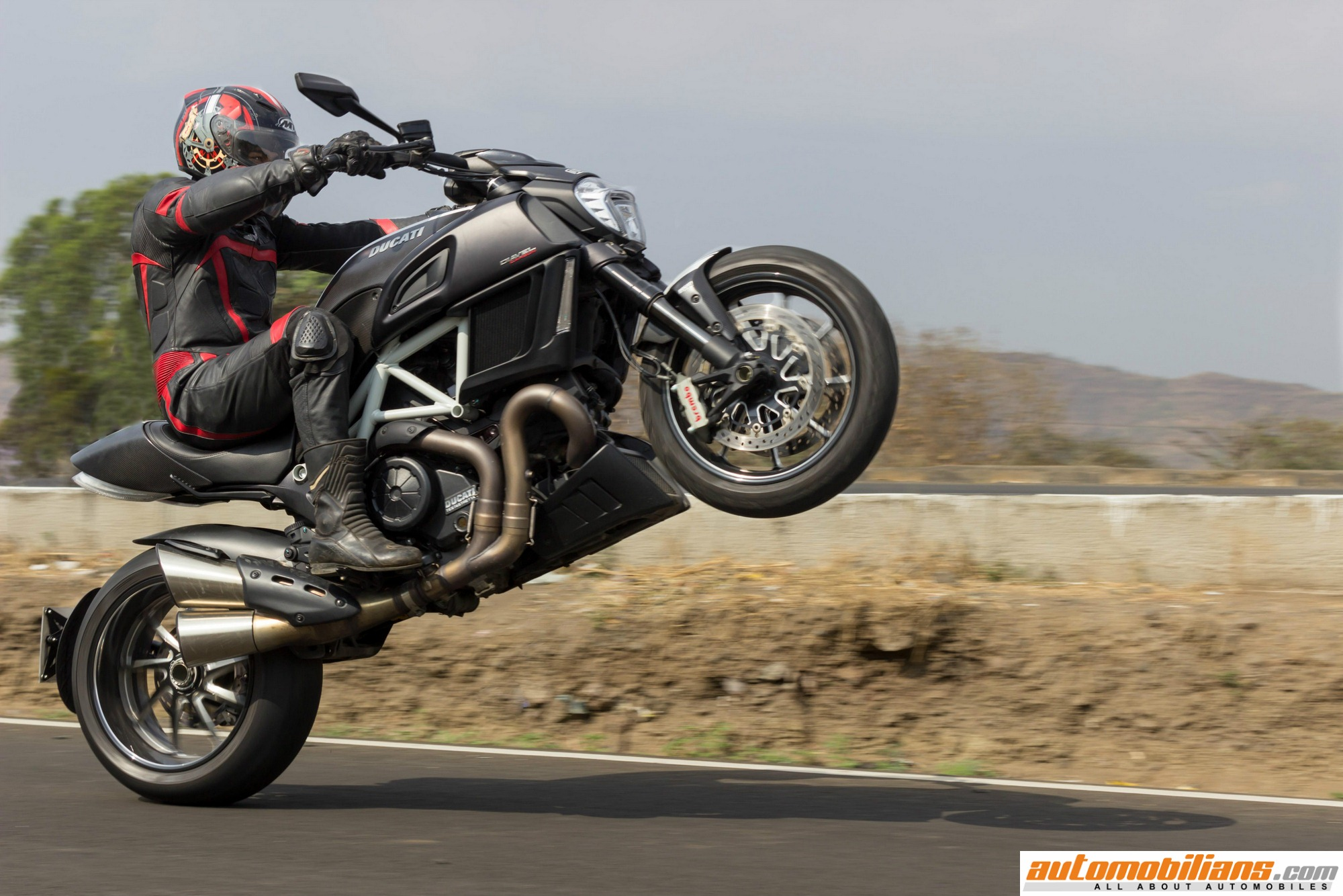 2016 ducati diavel carbon test ride review. Black Bedroom Furniture Sets. Home Design Ideas