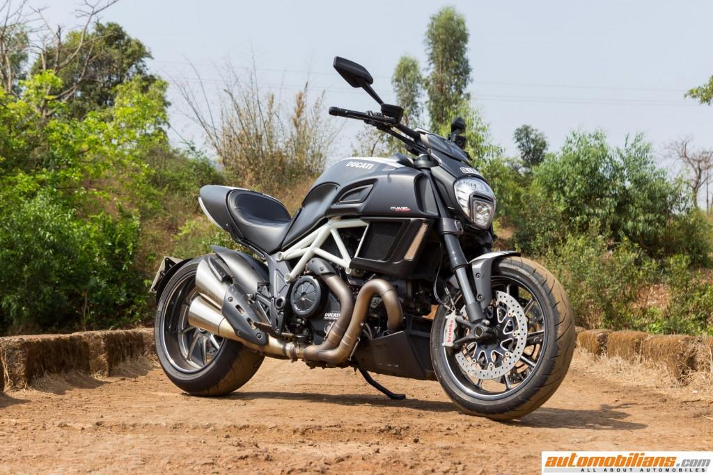 Ducati-Diavel-Carbon-Review-Automobilians (6)