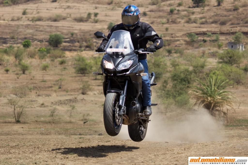 2016-Kawasaki-Versys-650-ABS-Test-Ride-Review-Automobilians (12)
