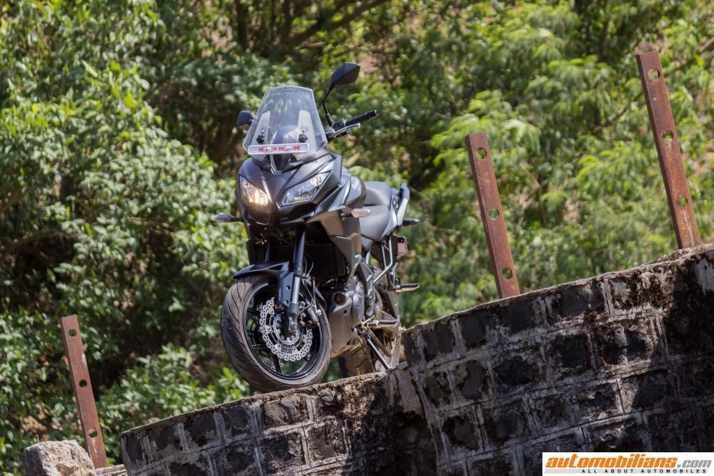 2016-Kawasaki-Versys-650-ABS-Test-Ride-Review-Automobilians (15)