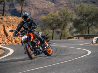 2017 KTM Duke 390 – Picture Gallery