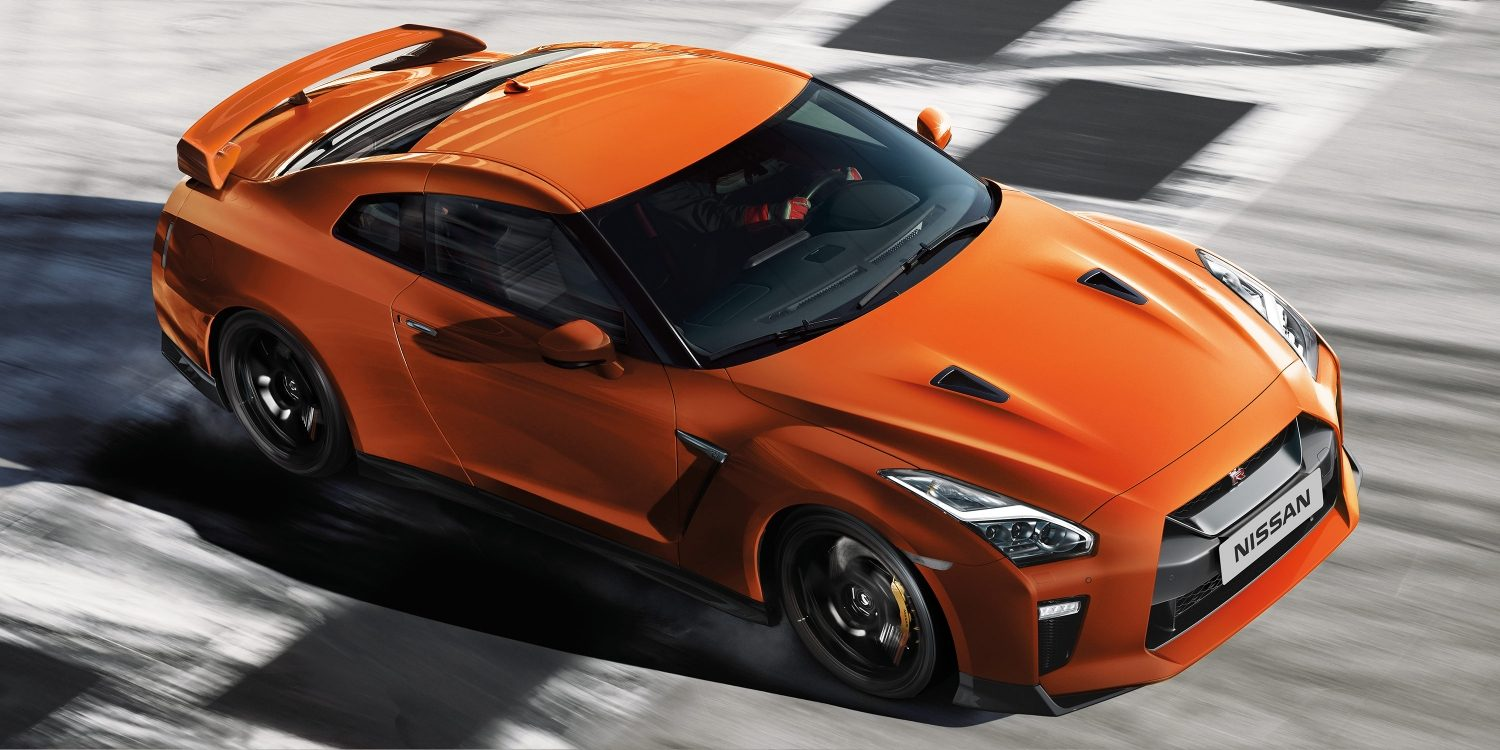 Automobilians Com 2017 Nissan Gt R Launched In India At