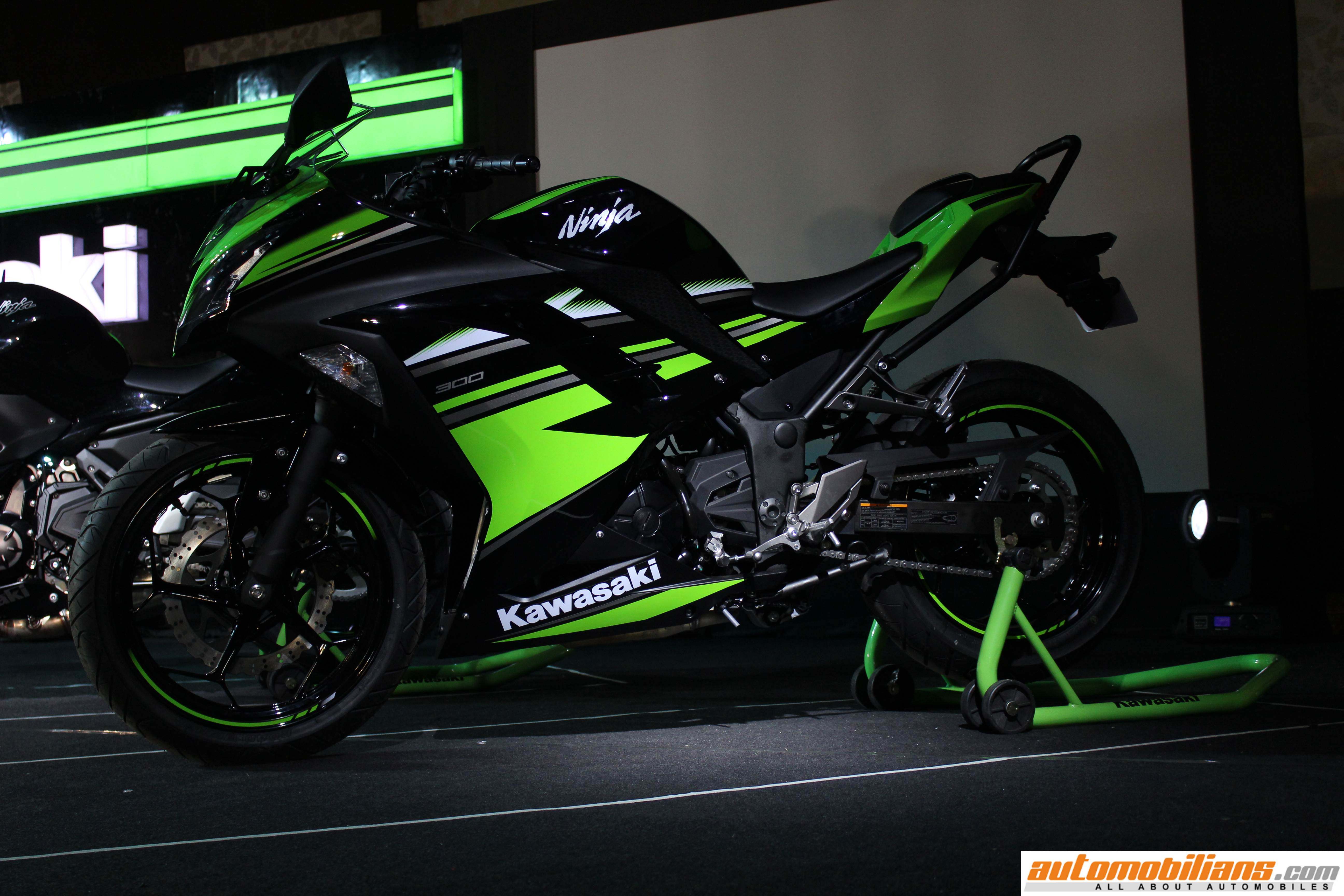 2017 kawasaki ninja 300 ninja 650 versys 650 z650 and z900 launched in india. Black Bedroom Furniture Sets. Home Design Ideas