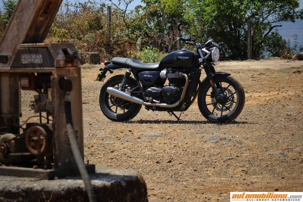 Triumph-Street-Twin-Review-Automobilians (12)