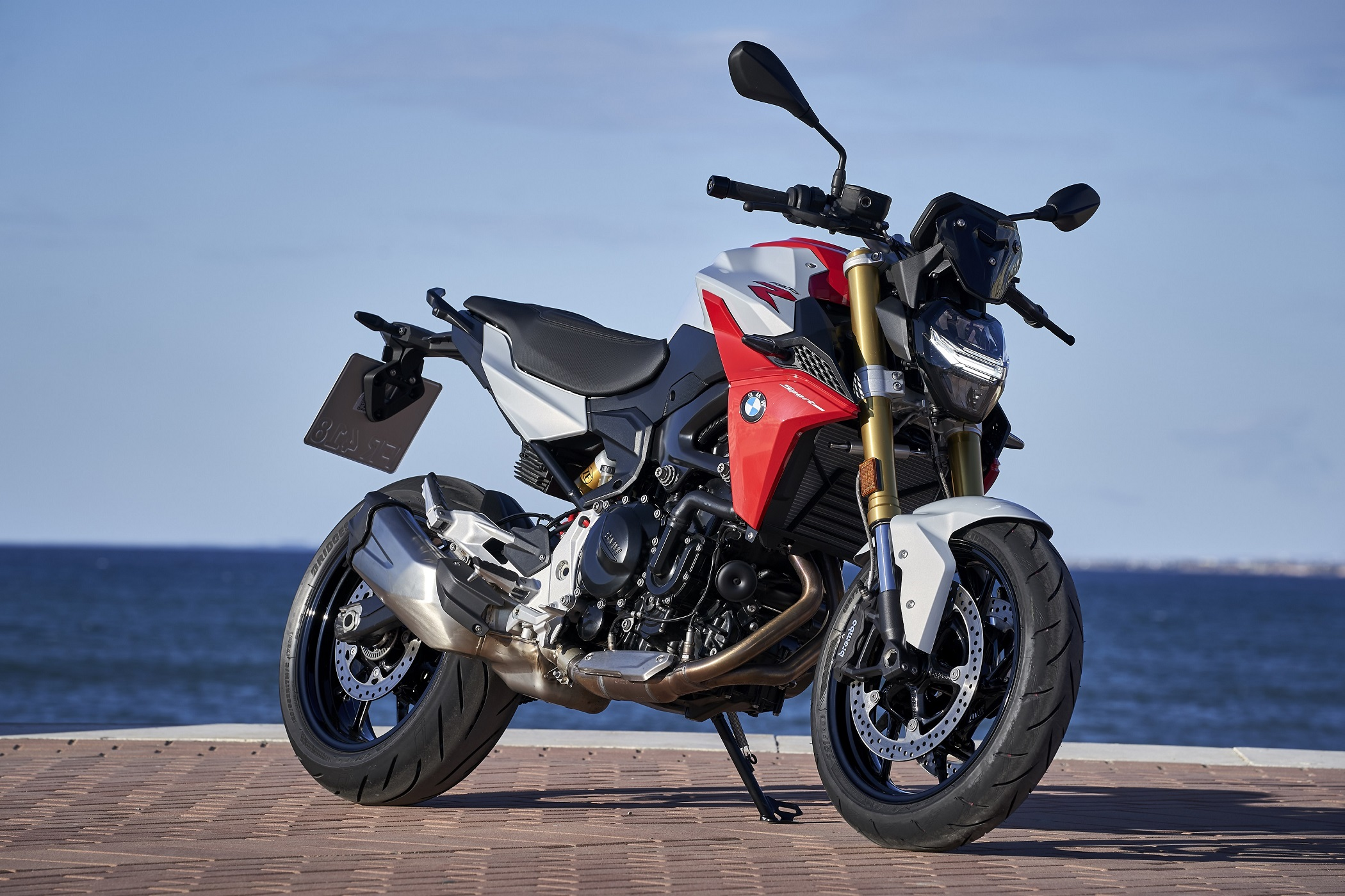 BMW F 900 R & F 900 XR Launched In India From Rs. 9.90 Lakh